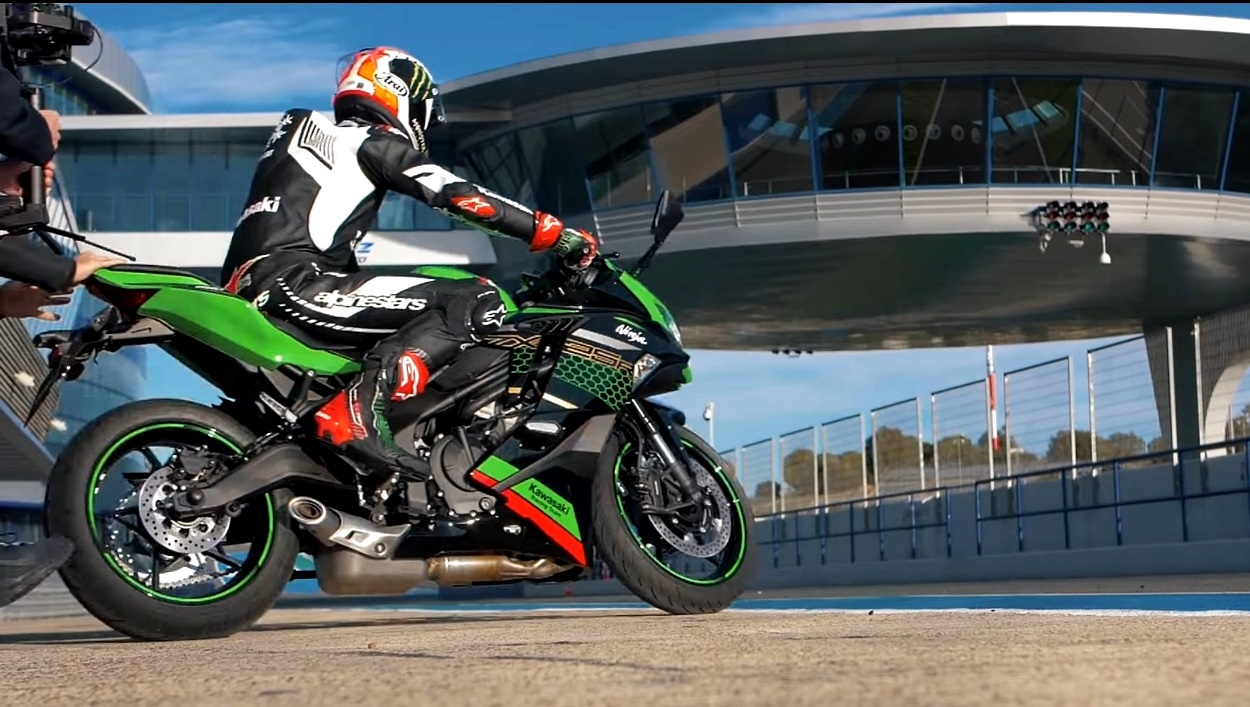 Kawasaki ZX-25R official video released